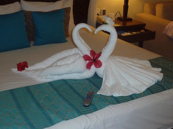 Azul Beach Resort Sensatori Mexico: Towel Art