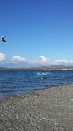 Bavaro Kite School : felipe just took my kite and did a couple unhooked tricks NBD