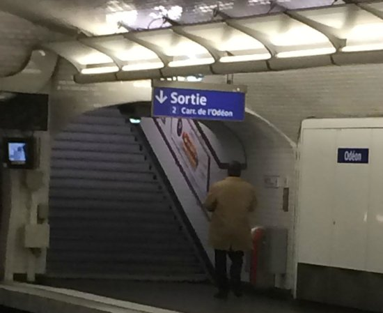 Left Bank Saint Germain : Remember Sortie is exit! in subway