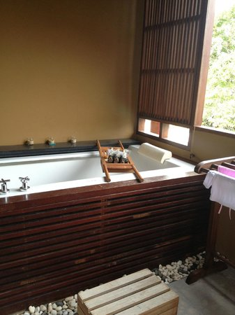 Deva Samui Resort & Spa: Jacuzzi