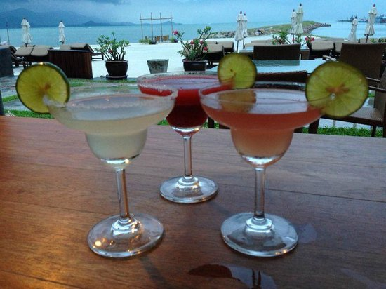 Deva Samui Resort & Spa: happy hour