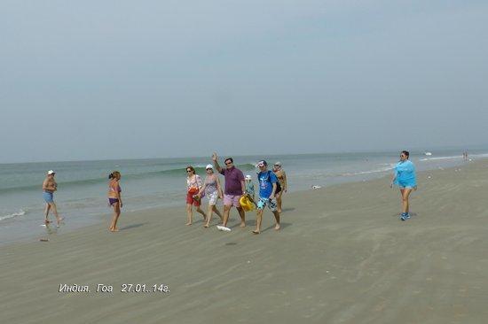 A's Holiday Beach Resort: Поход в Колву по пляжу 4 км!