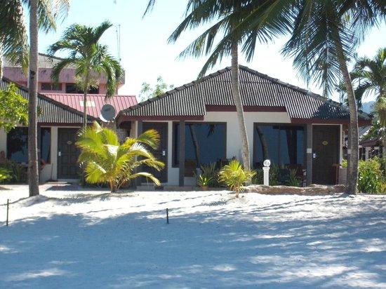 Langkapuri Inn: hotel bungalows
