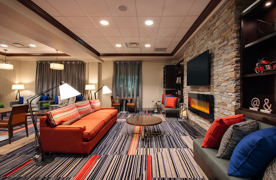 Four Points by Sheraton Waterloo-Kitchener: Lounge Area