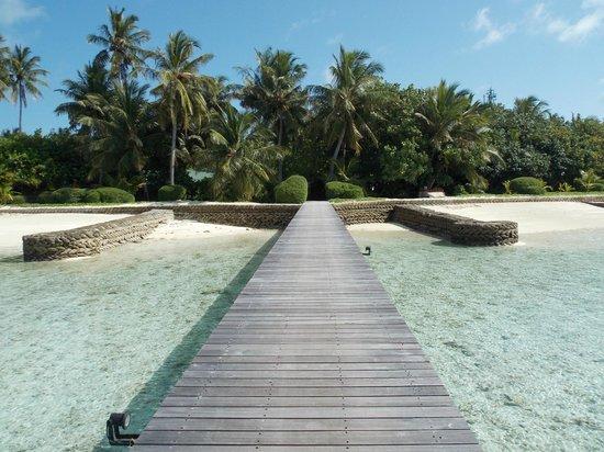 Cinnamon Hakuraa Huraa Maldives: dalla passerella 2