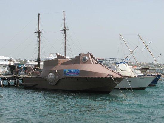 Louis Phaethon Beach: A Strange Boat