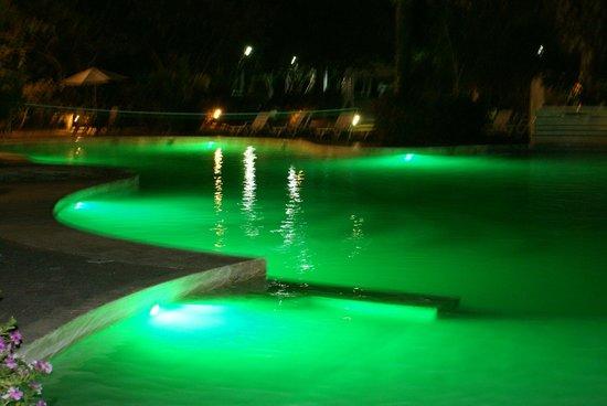 Hotel Villas Playa Samara : La piscine de nuit !