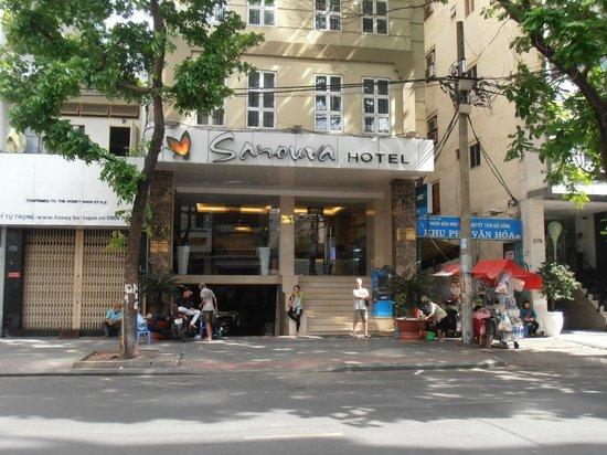 Sanouva Saigon Hotel: Front view of the Hotel.