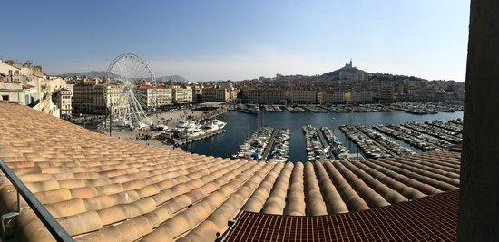 Hôtel La Residence du Vieux Port : La vue depuis la Sky Suite 803 !