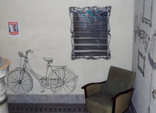 Lavender Circus Hostel: only an expample of the great artwork in the hostel