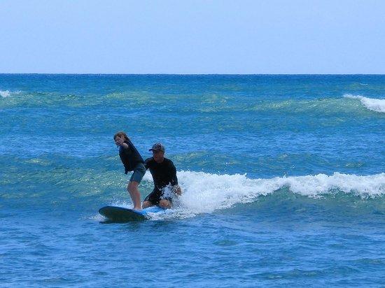 Surf HNL: 8 year old, tandem surfing