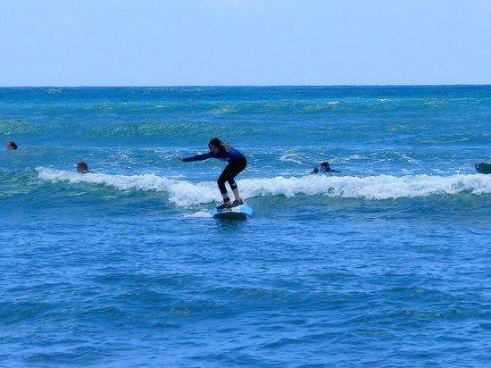 Surf HNL: 11 year old, 1st time surfing