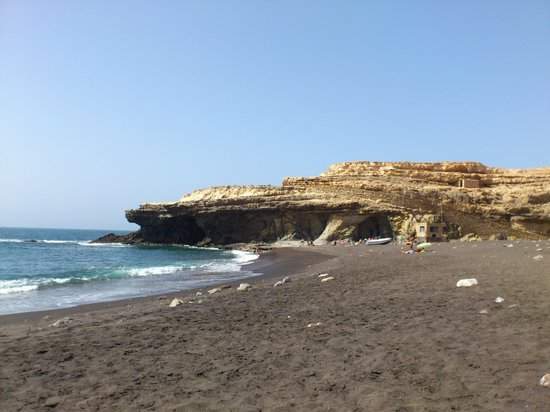 Monumento Natural de Ajuy: the beach and caves