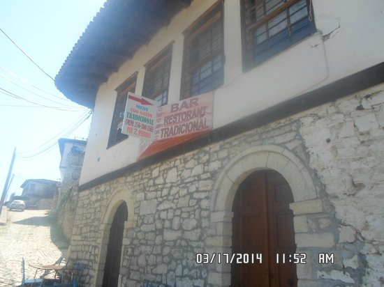 Bar Restaurant Onufri: Front view
