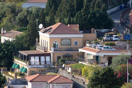 Hotel villa ducale picture of hotel villa ducale for Hotel villa taormina