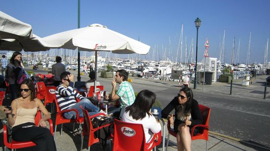 Cascais: 'Traffic free' marina area