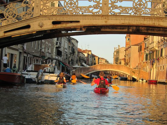 Venice Kayak: Going under one of the many bridges.