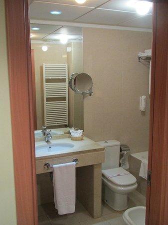 Hotel II Castillas : Ванная комната