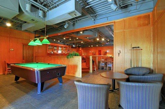 Quality Hotel Houma Woody S Restaurant Lounge Pool Tables Dart Video