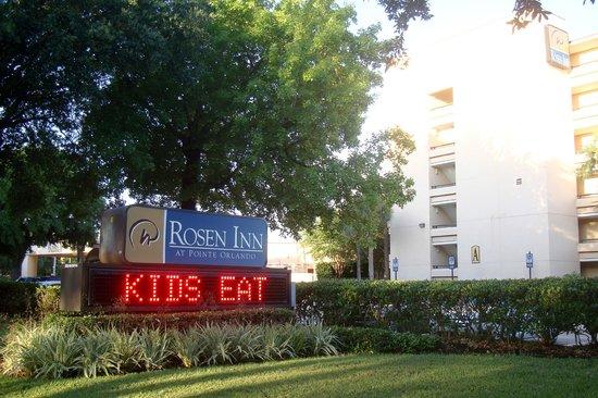 Rosen Inn at Pointe Orlando: Street View