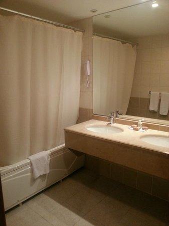 Crystal Paraiso Verde Resort & Spa: Bathroom