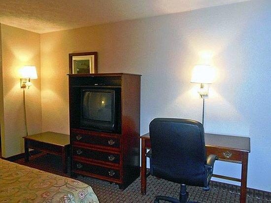 Motel 6 Opelika : Television