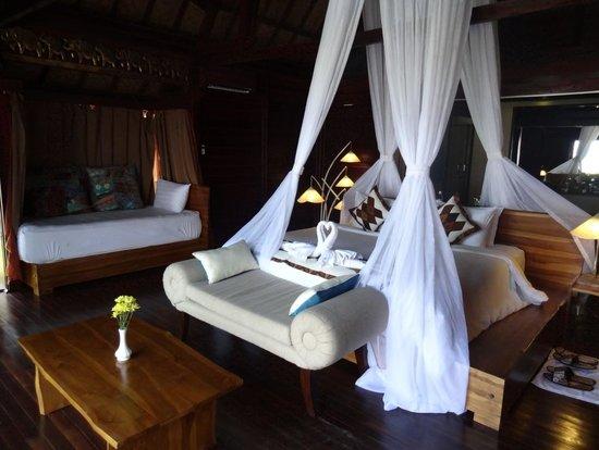 Kupu Kupu Phangan Beach Villas and Spa by l'Occitane: Chambre Honeymoon
