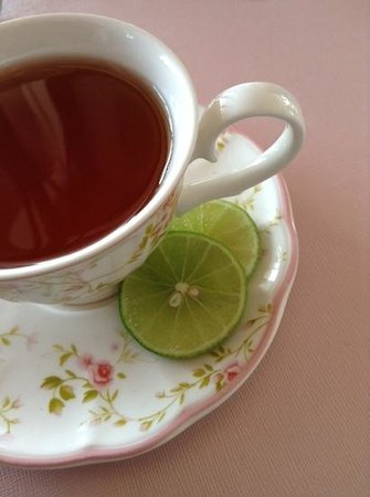 Tablespoon: When you order a tea, it is better to ask for 2 teabags in one teapot ;)
