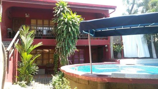 Casa Mafalda Hotel : New pool bar!