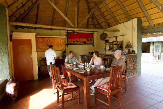 Water Lily Lodge: Bush Lodge Dining Room