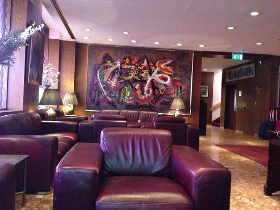 Hotel Holt: Lobby