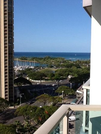 Ala Moana Hotel by Mantra: nice beach 10 min walk