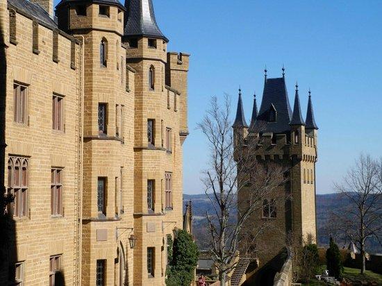 """Castle of Hohenzollern : Burg mit """"Wehrturm"""""""