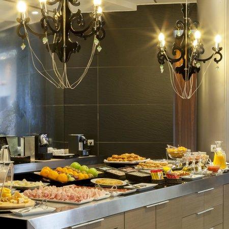 AC Hotel Sevilla Torneo: Desayuno buffet