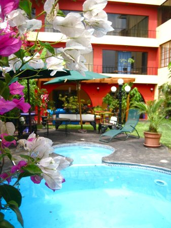 Peru Star Apartments Hotel: Our Pool