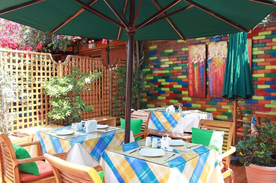 Peru Star Botique Apartments Hotel: Outdoor Dining Area for Breakfast