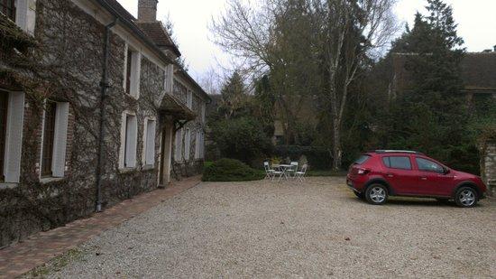 La Bichonnière : rear courtyard