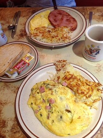 Ken's House of Pancakes: Breakfast at Ken's