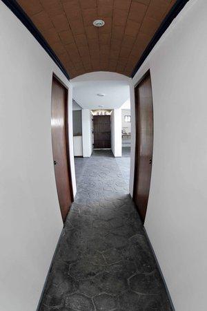 Hostal Azul y Blanco: La entrada