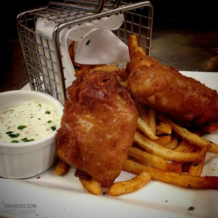 Liv's Oyster Bar : Fish & Chips