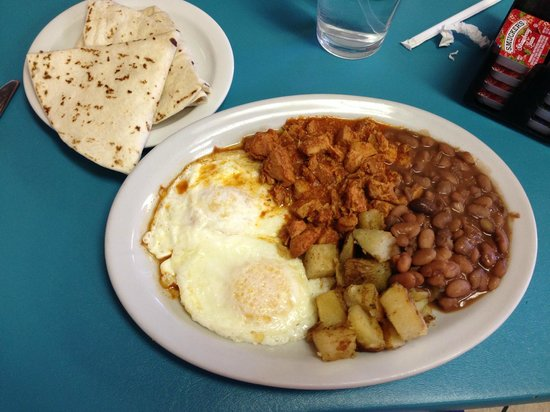 Chris' Cafe: Carne adovada with eggs