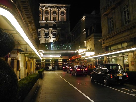 The Savoy : Hotel Entrance at Night