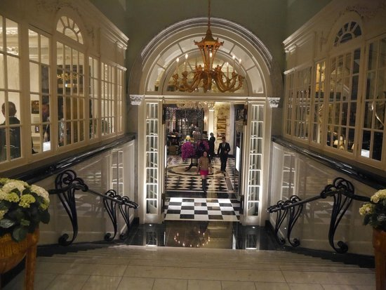 The Savoy : Stairs to Kaspar's and Thames Foyer