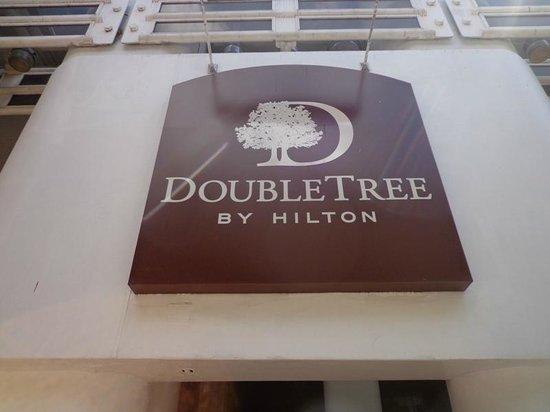 Doubletree by Hilton Grand Hotel Biscayne Bay: Entrada