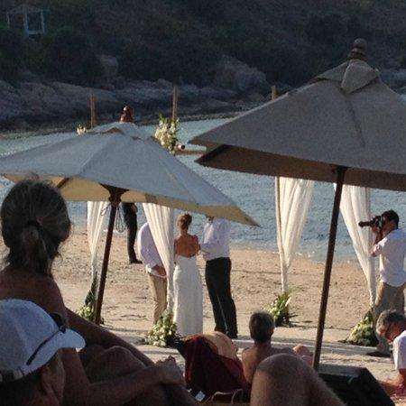 Melati Beach Resort & Spa : 皆が静かに見守る中のウエディング 素敵でした。