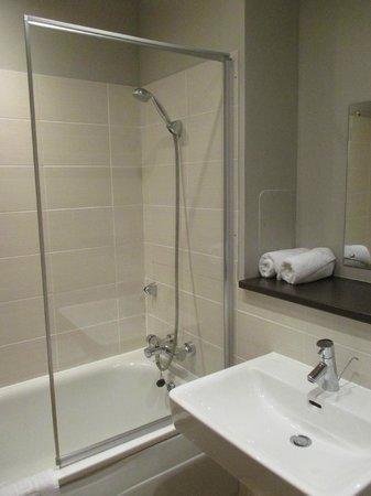 Glasgow Central Apartments: Bathroom 2