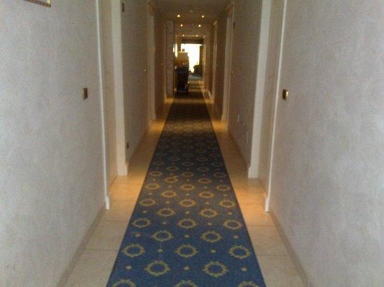 Hotel Diplomat Palace: Corridoio entrata camere