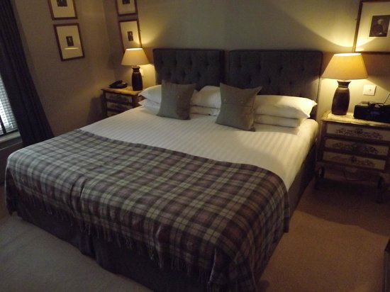 The Ship Hotel: The Giant Bed In Room 2, Ideal Fro A Good Nights