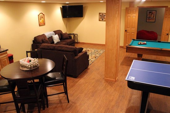 Spring Brook : The larger homes may have completed rec rooms in the basement featuring pool tables & theatre ro