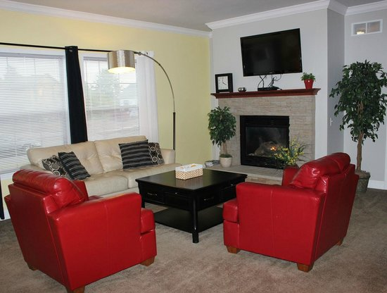 Spring Brook : Beautifully decorated with your comfort in mind